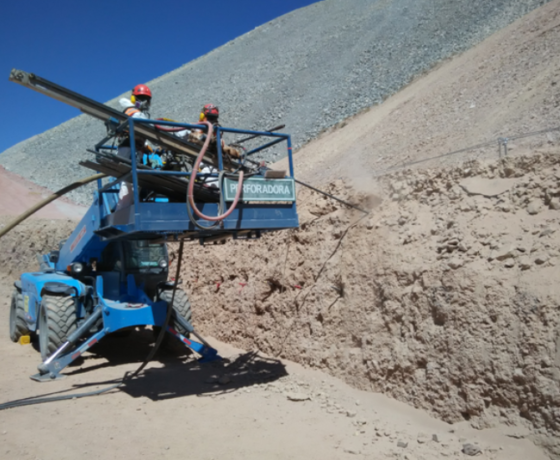 Estabilización de taludes para protección de mina