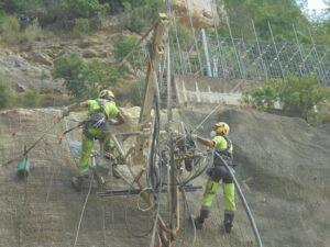 Tratamiento de taludes en infraestructuras de ferrocarril sin acceso